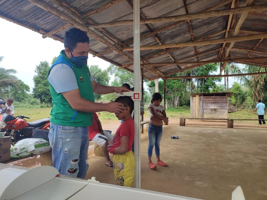 ICBF realiza acompañamiento a familias indígenas víctimas del conflicto en Vaupés
