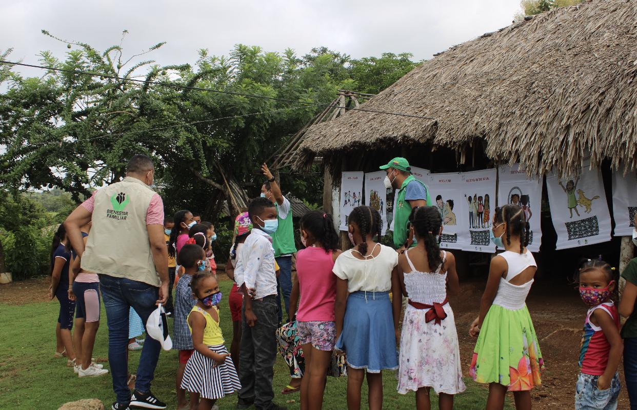 Unidades Móviles del ICBF atienden a familias en zona rural de Puerto Escondido, Córdoba