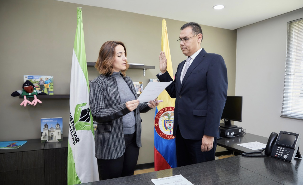 Directora ICBF posesiona al Secretario General del Instituto