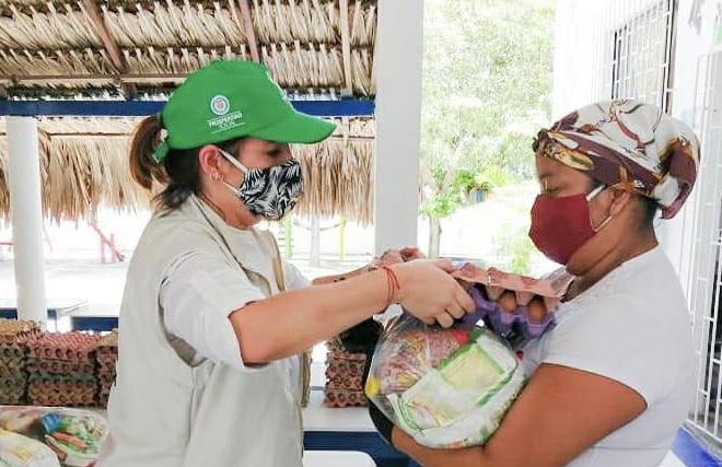 Directora ICBF inicia en Sucre la tercera entrega de canastas alimentarias para usuarios de primera infancia