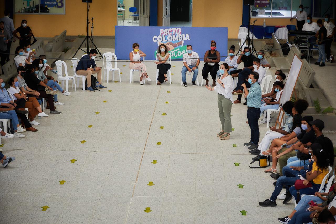 ICBF y jóvenes de San Andrés continúan construyendo Pacto por las Juventudes