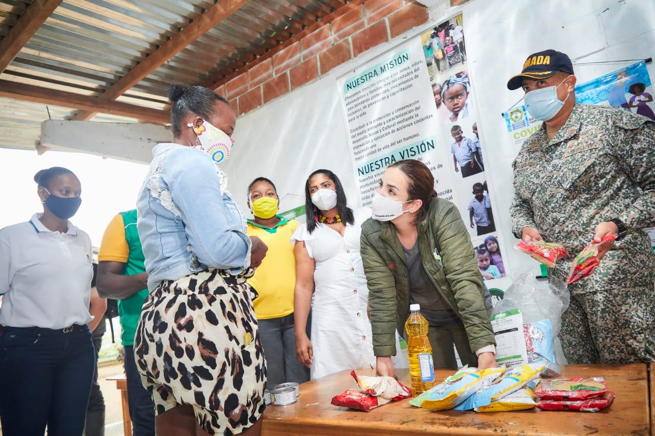 Directora ICBF verifica atención de niños en Pizarro, último municipio visitado en su recorrido por el Chocó