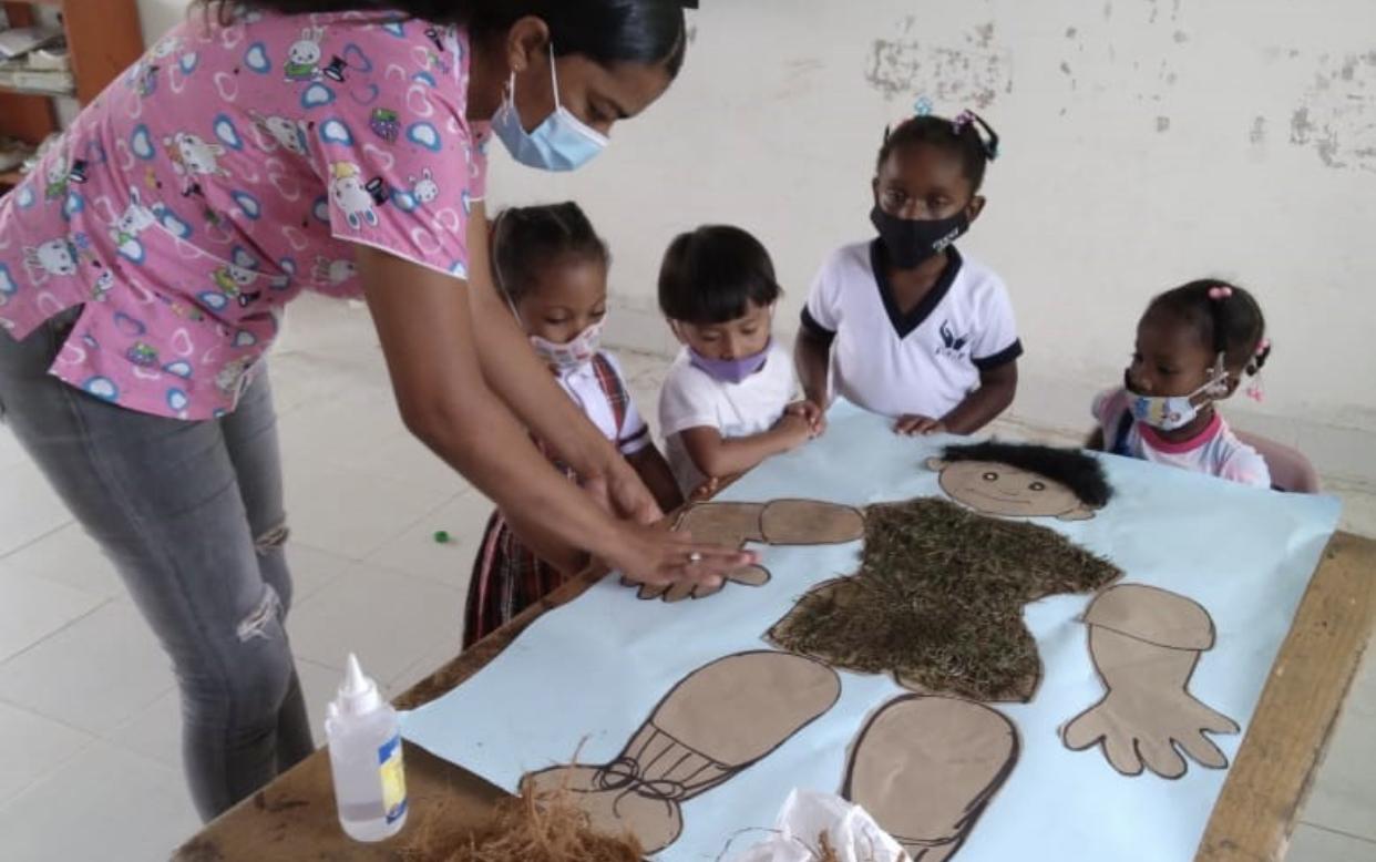 Niñas y niños de las subregiones Baudó y San Juan en el Chocó están regresando a la presencialidad
