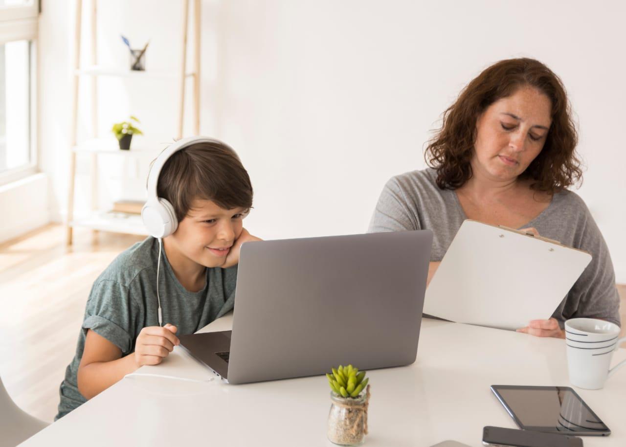 ICBF recomienda a padres la supervisión a sus hijos en el uso de medios digitales