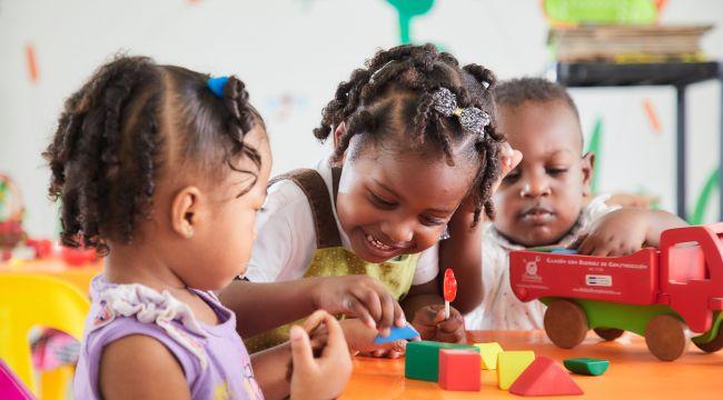 En Mis Manos Te Enseñan les contamos quién es BETTO, qué hace y por qué es tan importante para la niñez