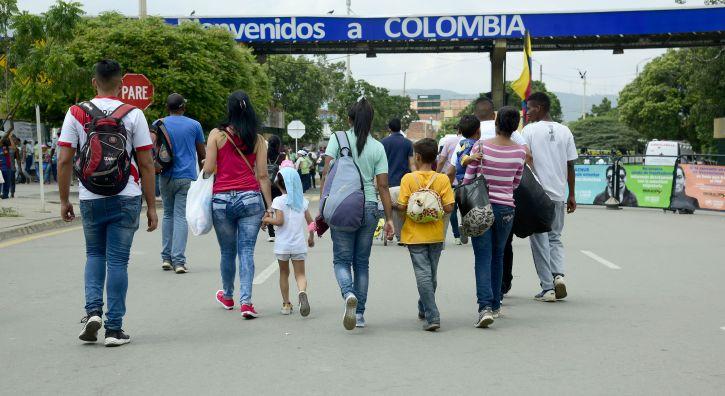 Un futuro en otro país: ¿qué garantía tienen los jóvenes en Colombia?