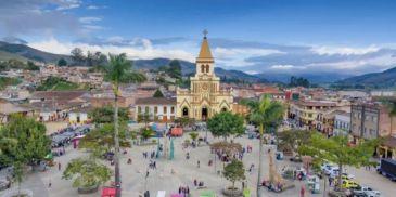 Investigan la muerte de niña de 2 años ahogada con una pelota en Urrao, Antioquia