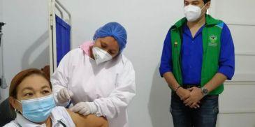 Inicia vacunación para agentes educativos y madres comunitarias del ICBF