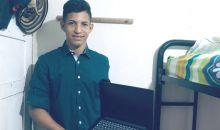 Adolescentes y jóvenes del ICBF reciben computadores para sus estudios superiores