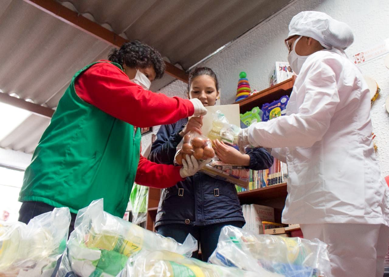 Directora ICBF resalta apoyo de la Fundación Éxito por entregar 48.000 paquetes alimentarios para la niñez