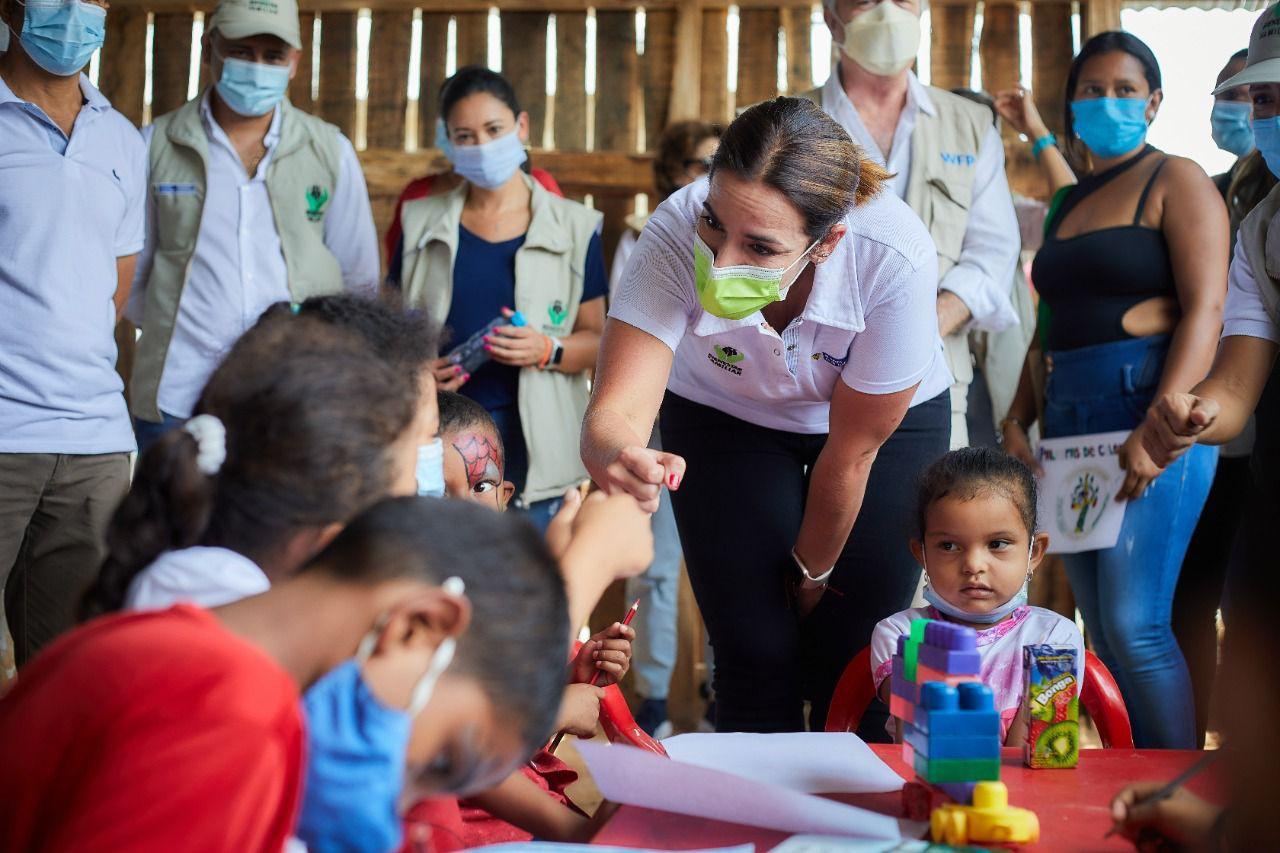 Directora del ICBF verifica acciones para prevenir la desnutrición en comunidad Embera Katío en Tierralta, Córdoba